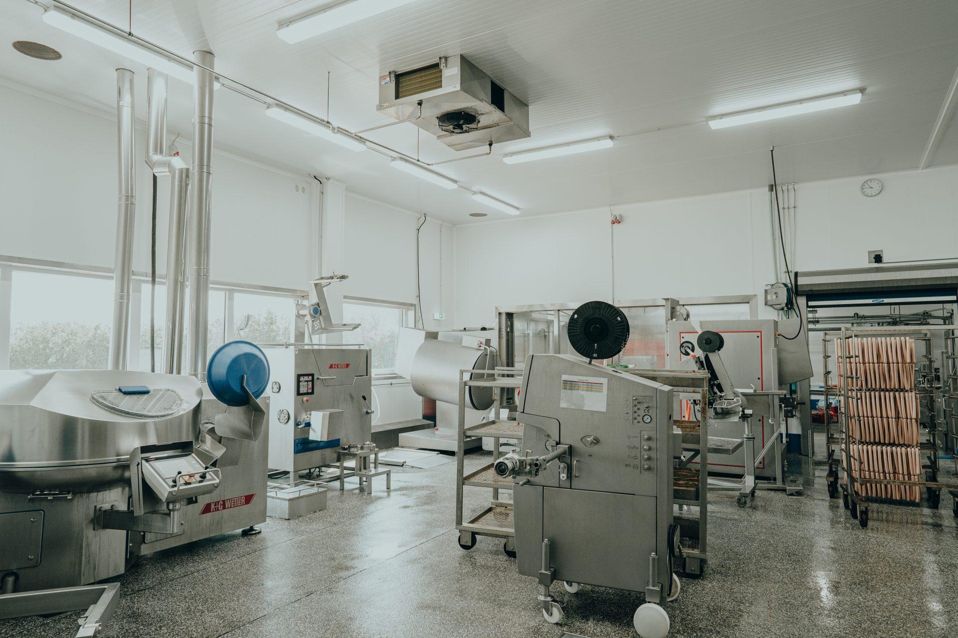 Klimalösungen in einer Metzgerei sorgt für die Gesundheit der Mitarbeiter und die Qualität der Produkte